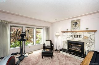 Photo 5: 1204 Politano Pl in VICTORIA: SW Strawberry Vale House for sale (Saanich West)  : MLS®# 822963