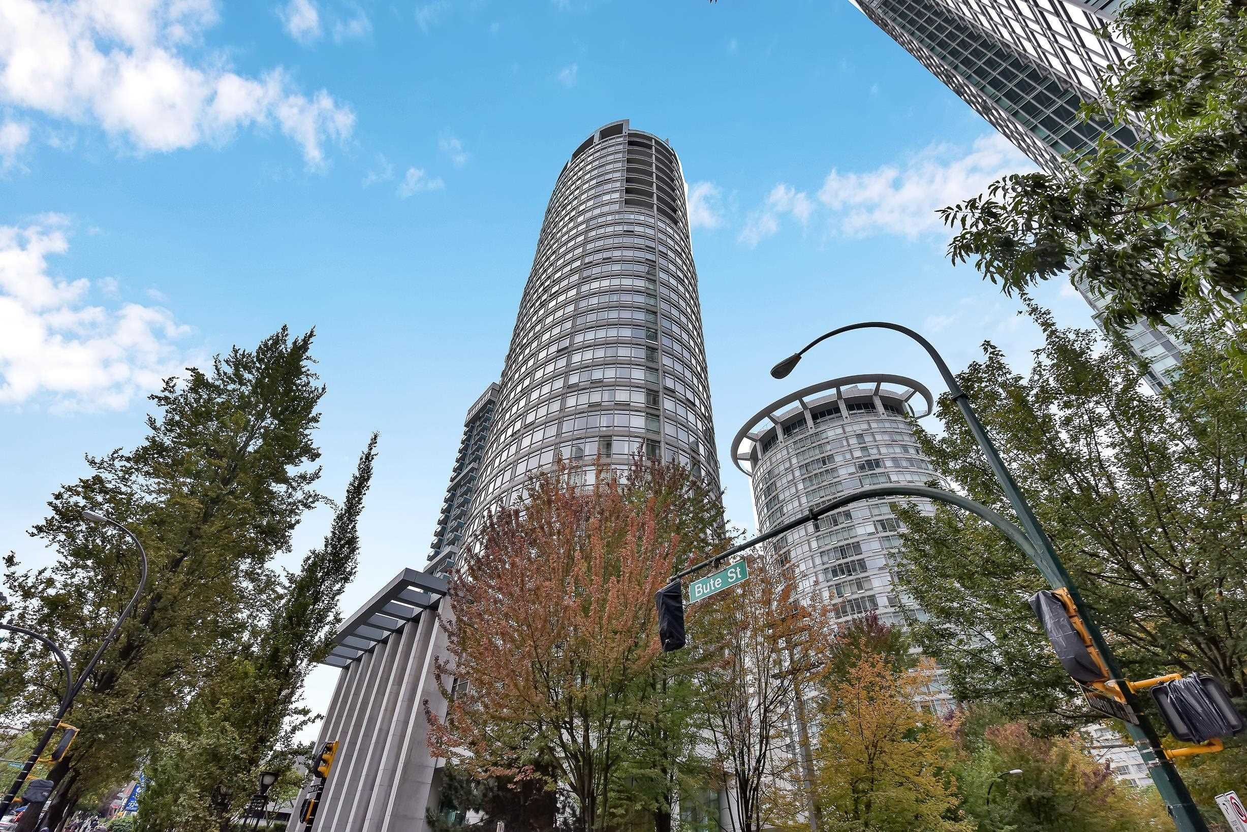 """Main Photo: 1806 1200 ALBERNI Street in Vancouver: West End VW Condo for sale in """"PALLISADES"""" (Vancouver West)  : MLS®# R2619408"""