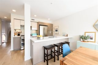"""Photo 4: 2 365 E 16TH Avenue in Vancouver: Mount Pleasant VE Townhouse for sale in """"Hayden"""" (Vancouver East)  : MLS®# R2574581"""