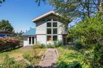 """Main Photo: 1540 WHITE SAILS Drive: Bowen Island House for sale in """"Tunstall Bay"""" : MLS®# R2597293"""