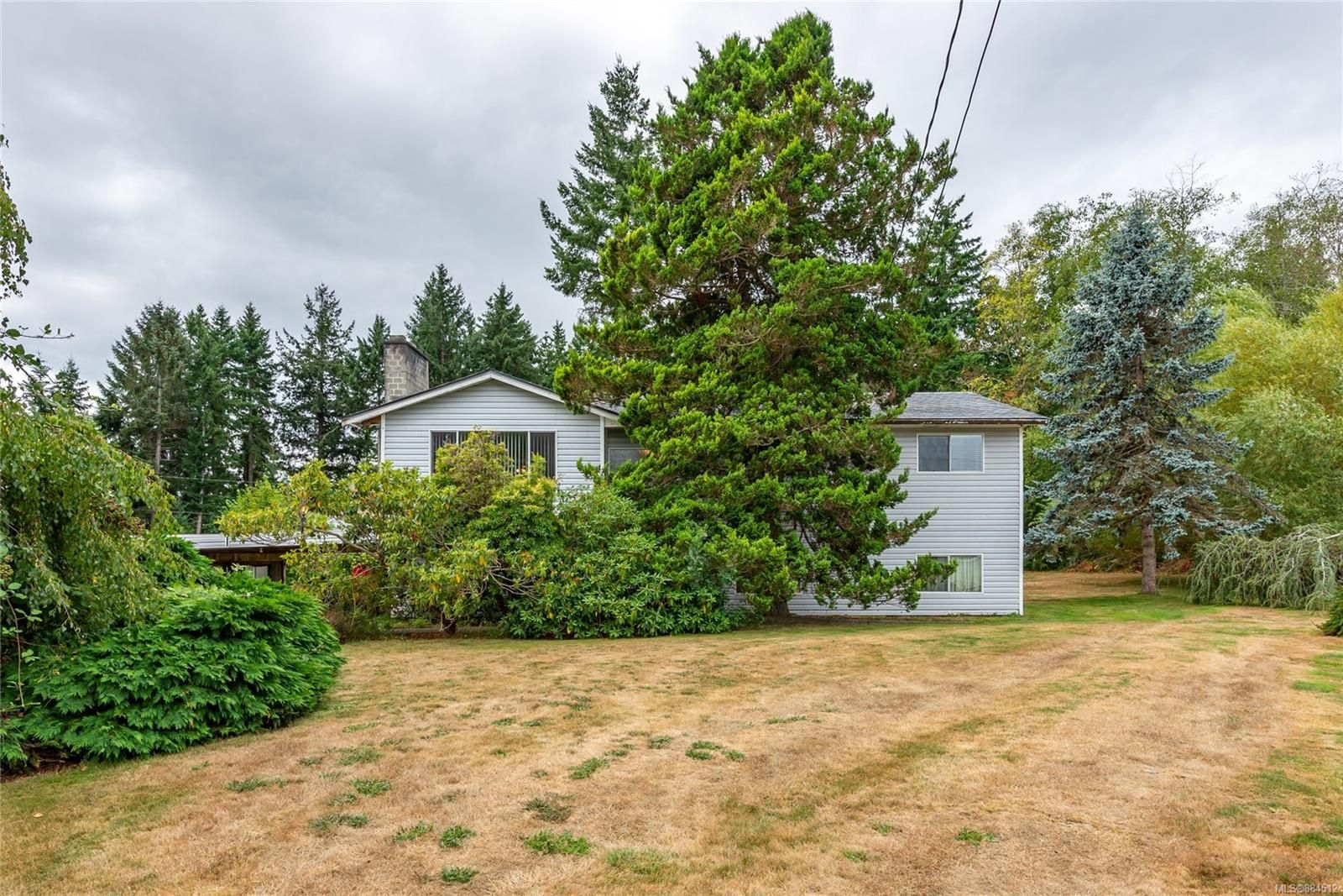 Main Photo: 3759 McLelan Rd in : CR Campbell River South House for sale (Campbell River)  : MLS®# 884512