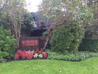 """Photo 1: 210 2800 CHESTERFIELD Avenue in North Vancouver: Upper Lonsdale Condo for sale in """"Somerset Green"""" : MLS®# R2115037"""