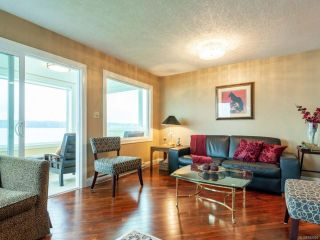 Photo 1: 202 539 Island Hwy in CAMPBELL RIVER: CR Campbell River Central Condo for sale (Campbell River)  : MLS®# 842004