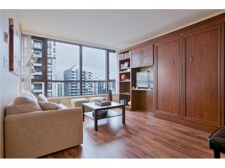 """Photo 8: 2504 977 MAINLAND Street in Vancouver: Yaletown Condo for sale in """"YALETOWN PARK III"""" (Vancouver West)  : MLS®# V1094535"""