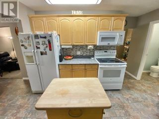 Photo 13: 3932 LOLOFF CRESCENT in Quesnel: House for sale : MLS®# R2625453