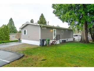 "Photo 3: 183 7790 KING GEORGE Boulevard in Surrey: East Newton Manufactured Home for sale in ""Crispen Bays"" : MLS®# R2555567"