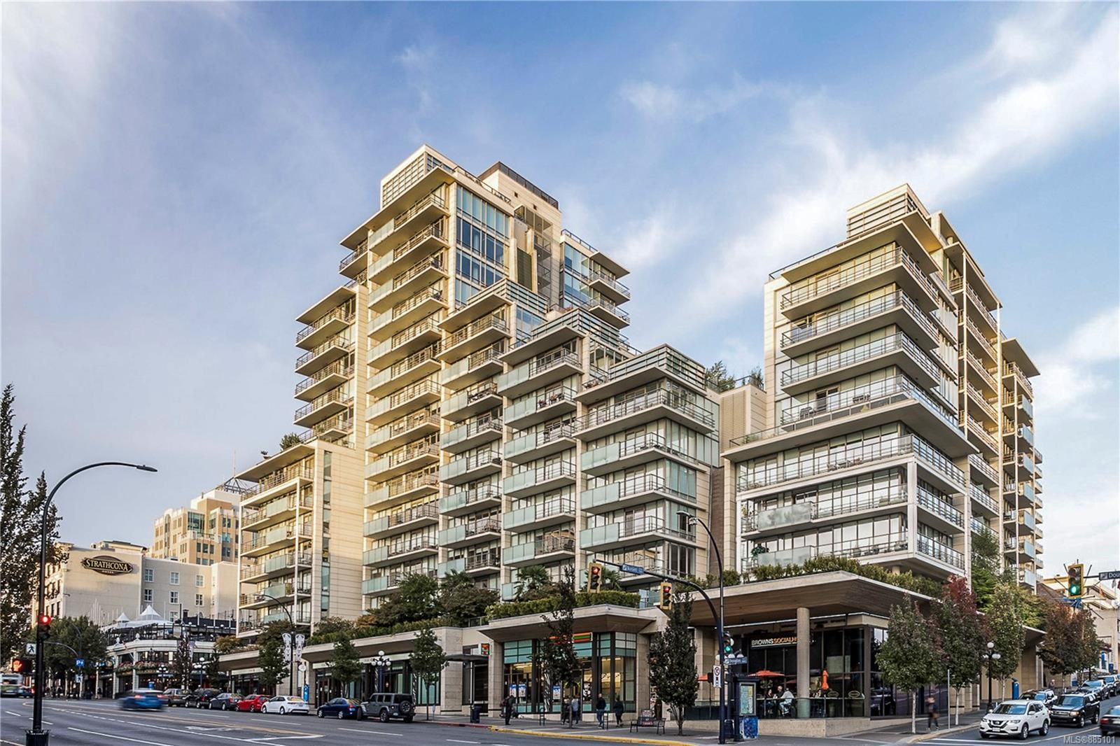 Main Photo: 408 707 Courtney St in : Vi Downtown Condo for sale (Victoria)  : MLS®# 885101