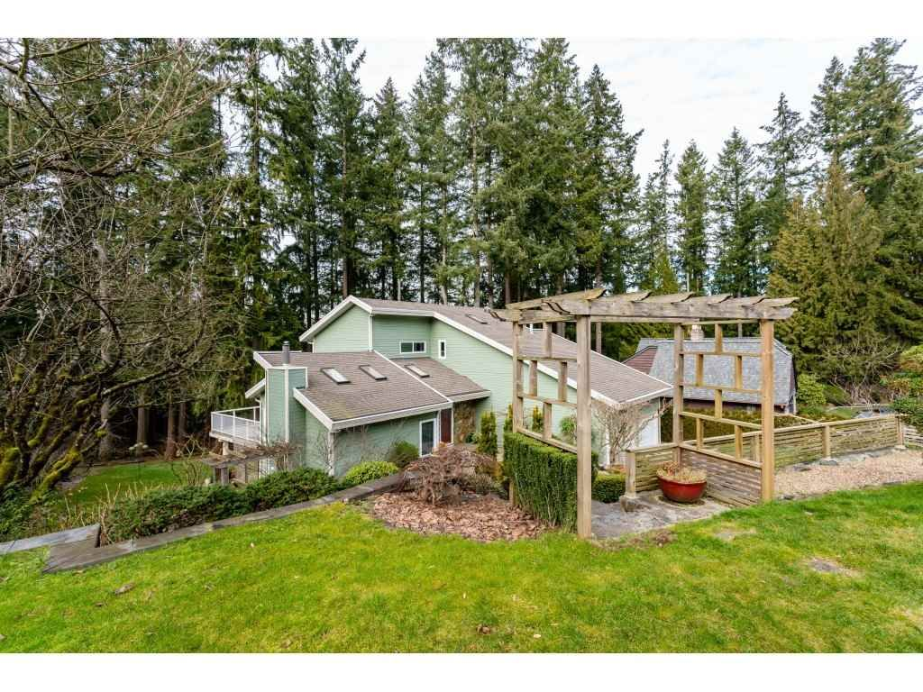 """Main Photo: 5817 237A Street in Langley: Salmon River House for sale in """"Tall Timber Estates"""" : MLS®# R2368924"""