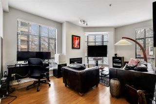"""Photo 2: 205 2175 SALAL Drive in Vancouver: Kitsilano Condo for sale in """"SOVANA"""" (Vancouver West)  : MLS®# R2552705"""