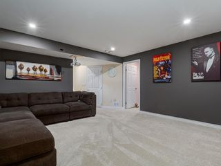 Photo 39: 92 WENTWORTH Circle SW in Calgary: West Springs Detached for sale : MLS®# C4270253