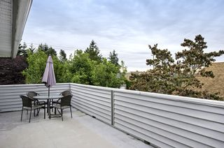 Photo 5: 15598 ROPER AVENUE in South Surrey White Rock: Home for sale : MLS®# R2003689