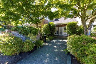 """Photo 1: 13 2150 MARINE Drive in West Vancouver: Dundarave Condo for sale in """"LINCOLN GARDENS"""" : MLS®# R2289242"""