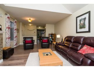 "Photo 5: 4 18883 65 Avenue in Surrey: Cloverdale BC Townhouse for sale in ""APPLEWOOD"" (Cloverdale)  : MLS®# R2246448"