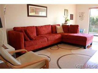 Photo 15: 6 1070 Chamberlain St in VICTORIA: Vi Fairfield East Row/Townhouse for sale (Victoria)  : MLS®# 585831