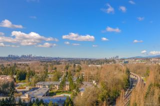 "Photo 18: 1901 3771 BARTLETT Court in Burnaby: Sullivan Heights Condo for sale in ""TIMBERLEA"" (Burnaby North)  : MLS®# R2558585"