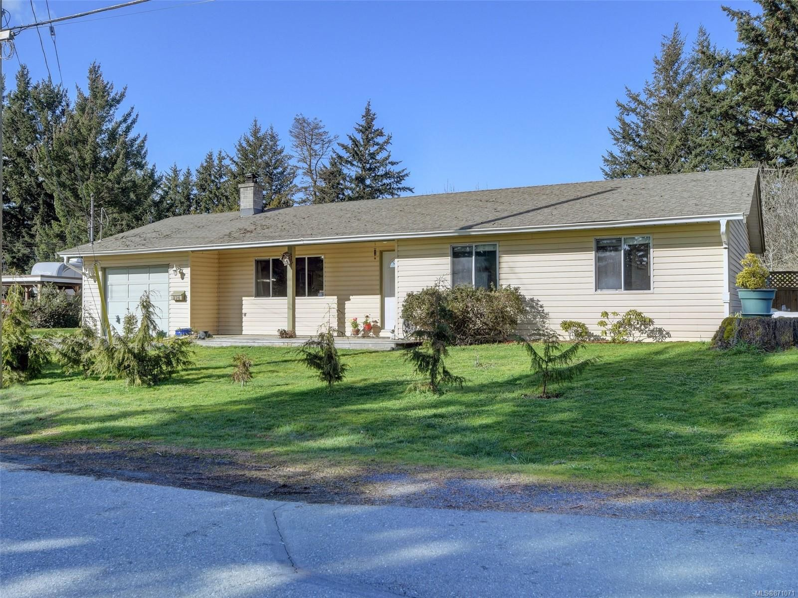 Main Photo: 374 Cotlow Rd in : Co Wishart South House for sale (Colwood)  : MLS®# 871071