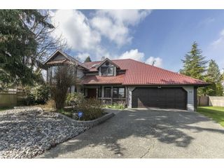 "Photo 2: 7549 150A Street in Surrey: East Newton House for sale in ""Chimney Hills"" : MLS®# R2561314"