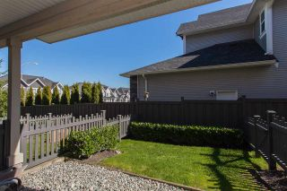 """Photo 13: 70 7938 209 Street in Langley: Willoughby Heights Townhouse for sale in """"Red Maple Park"""" : MLS®# R2241292"""