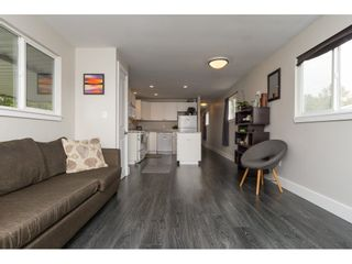 """Photo 7: 101 1840 160 Street in Surrey: King George Corridor Manufactured Home for sale in """"Breakaway Bays"""" (South Surrey White Rock)  : MLS®# R2215928"""