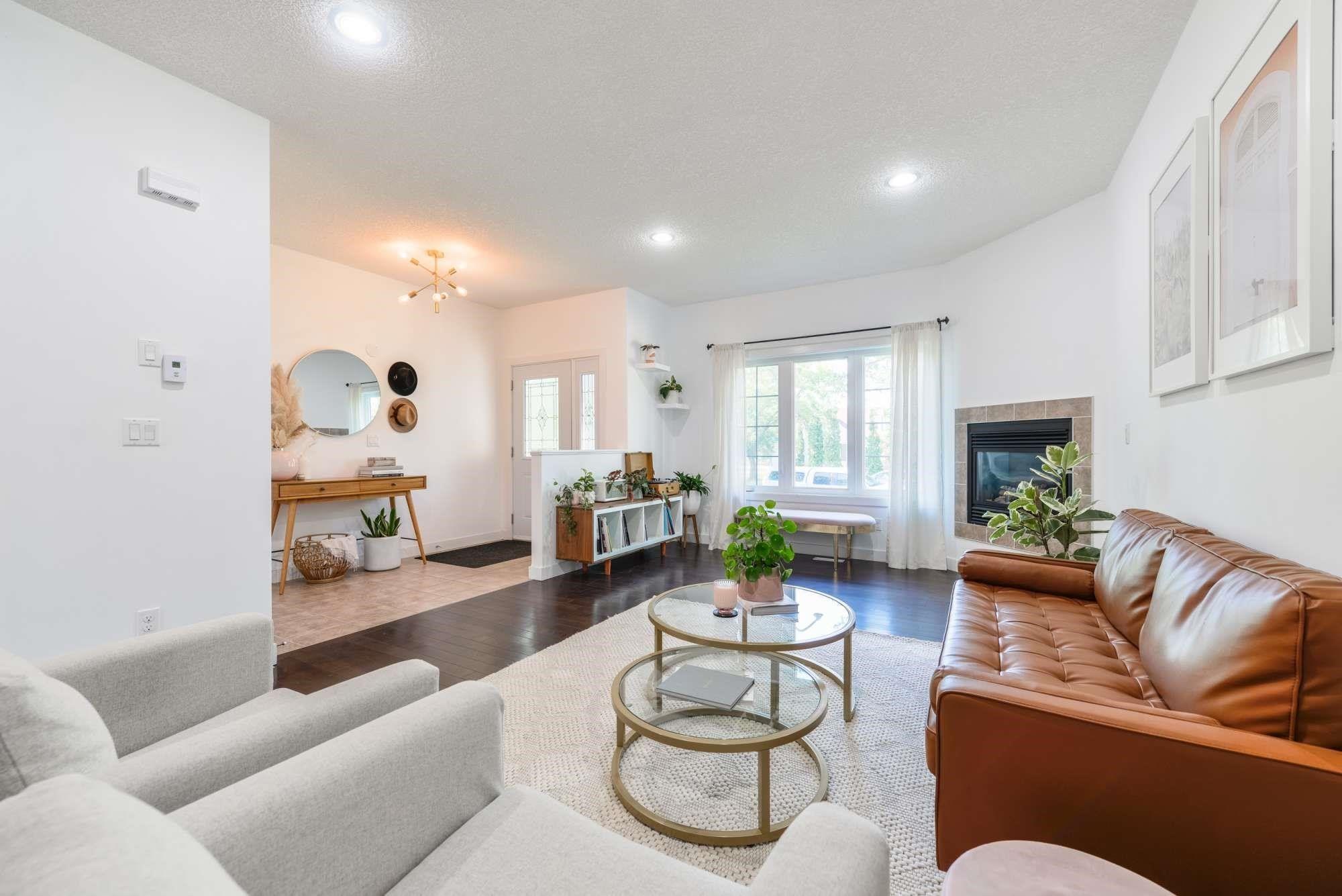 Main Photo: 7706 79 Avenue in Edmonton: Zone 17 House Half Duplex for sale : MLS®# E4252889