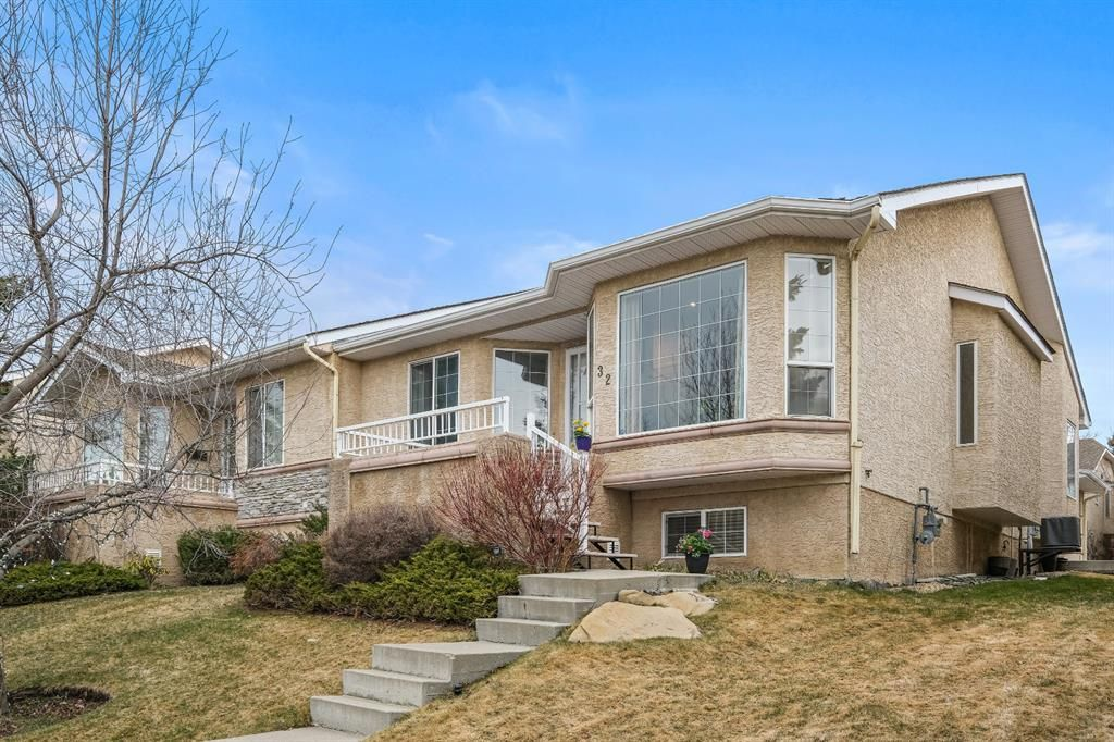 Main Photo: 32 Sierra Morena Way SW in Calgary: Signal Hill Semi Detached for sale : MLS®# A1091813