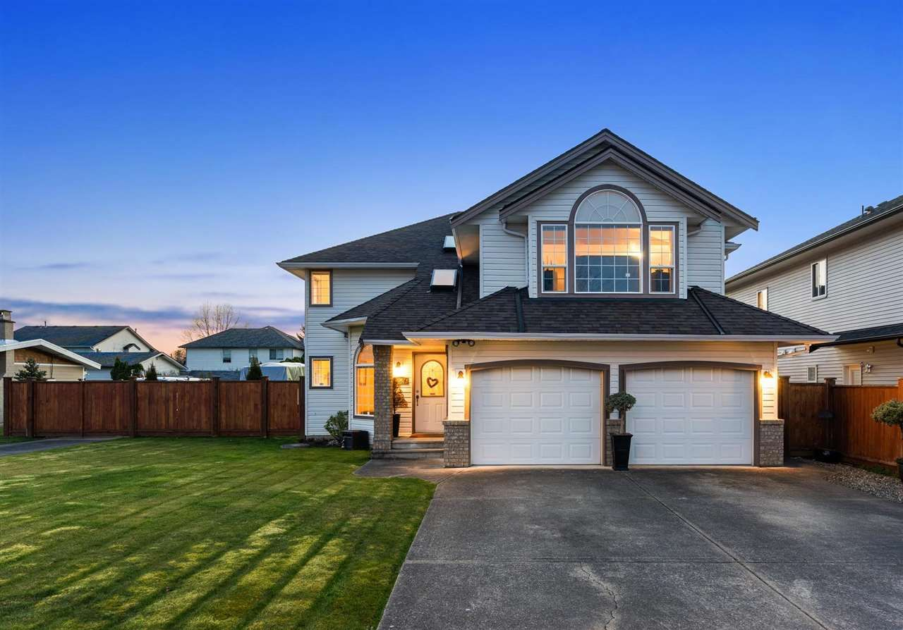 """Main Photo: 5047 215 Street in Langley: Murrayville House for sale in """"Murrayville"""" : MLS®# R2562248"""