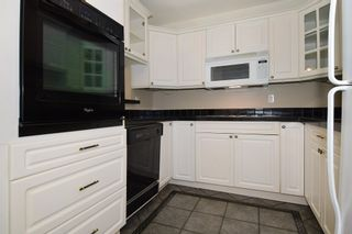 "Photo 2: 202 436 SEVENTH Street in New Westminster: Uptown NW Condo for sale in ""REGENCY COURT"" : MLS®# R2099658"