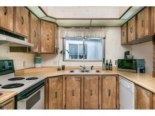 """Photo 9: 293 1840 160 Street in Surrey: King George Corridor Manufactured Home for sale in """"Breakaway Bays"""" (South Surrey White Rock)  : MLS®# R2616077"""