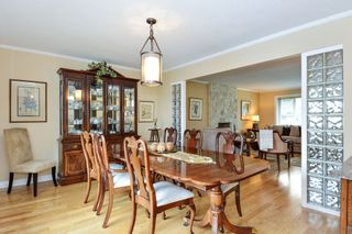 """Photo 3: 5445 185 Street in Surrey: Cloverdale BC House for sale in """"HUNTER PARK"""" (Cloverdale)  : MLS®# R2243893"""