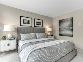 """Photo 17: 801 1383 MARINASIDE Crescent in Vancouver: Yaletown Condo for sale in """"COLUMBUS"""" (Vancouver West)  : MLS®# R2504775"""