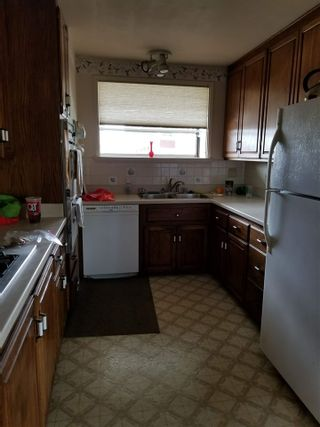 Photo 6: CLAIREMONT House for sale : 3 bedrooms : 3971 Anastasia St in San Diego