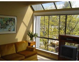 Photo 2: 2885 SPRUCE Street in Vancouver: Fairview VW Condo for sale (Vancouver West)  : MLS®# V640043