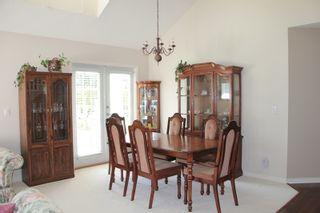 "Photo 3: 5 16995 64 Avenue in Surrey: Cloverdale BC Townhouse for sale in ""Lexington"" (Cloverdale)  : MLS®# R2159340"