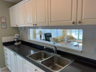 """Photo 7: 303 15466 NORTH BLUFF Road: White Rock Condo for sale in """"THE SUMMIT"""" (South Surrey White Rock)  : MLS®# R2557297"""