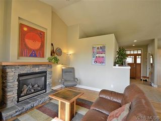 Photo 4: 513 Caselton Pl in VICTORIA: SW Royal Oak House for sale (Saanich West)  : MLS®# 636074