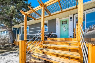 Photo 3: 3431 32 Street SW in Calgary: Rutland Park Detached for sale : MLS®# A1081195