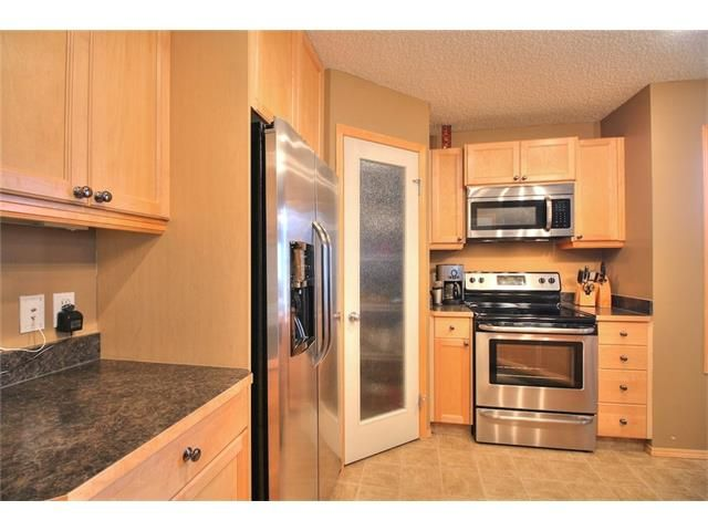 Photo 12: Photos: 304 EVERSYDE Circle SW in Calgary: Evergreen House for sale : MLS®# C4035934