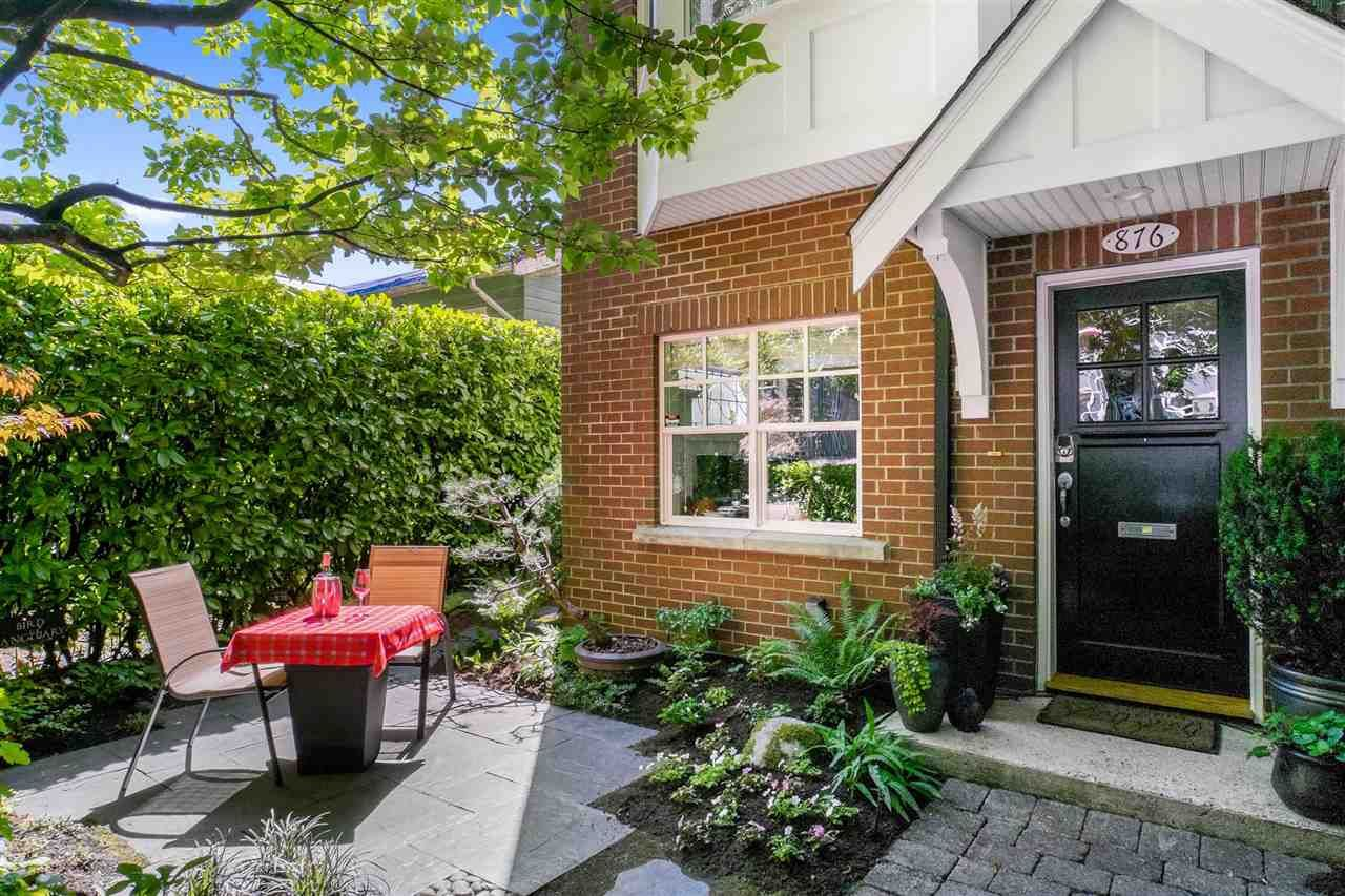 """Main Photo: 876 W 15TH Avenue in Vancouver: Fairview VW Townhouse for sale in """"Redbricks I"""" (Vancouver West)  : MLS®# R2506107"""