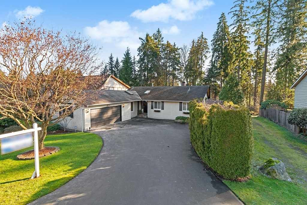 Main Photo: 3185 HUNTLEIGH CRESCENT in North Vancouver: Windsor Park NV House for sale : MLS®# R2437080