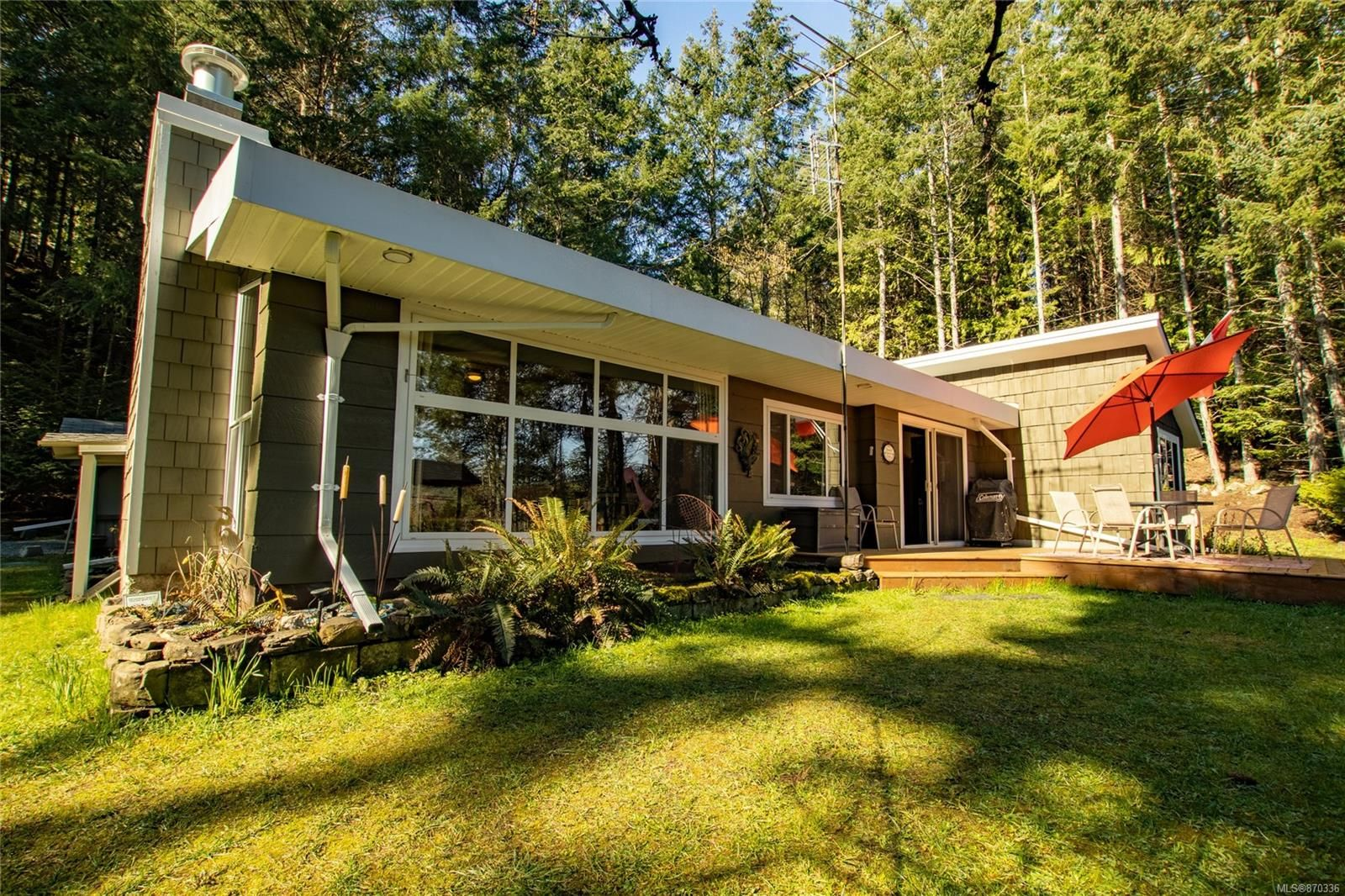 Main Photo: 4701 Canal Rd in : GI Pender Island House for sale (Gulf Islands)  : MLS®# 870336
