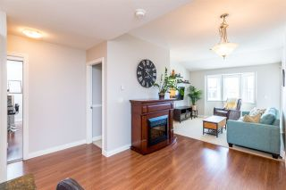 Photo 8: 307 19774 56 Avenue in Langley: Langley City Condo for sale : MLS®# R2437992