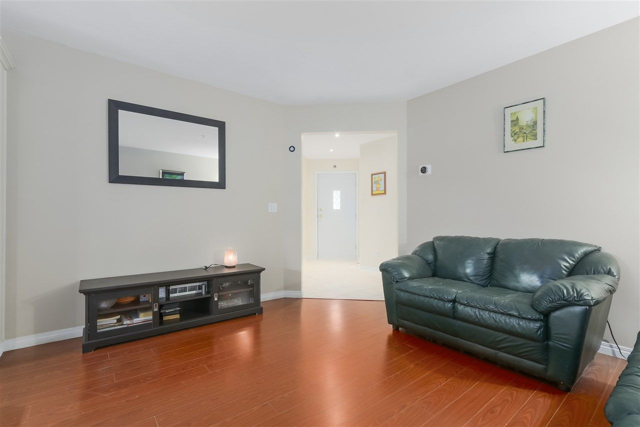 """Photo 10: Photos: 61 758 RIVERSIDE Drive in Port Coquitlam: Riverwood Townhouse for sale in """"RIVERLANE ESTATES"""" : MLS®# R2444396"""