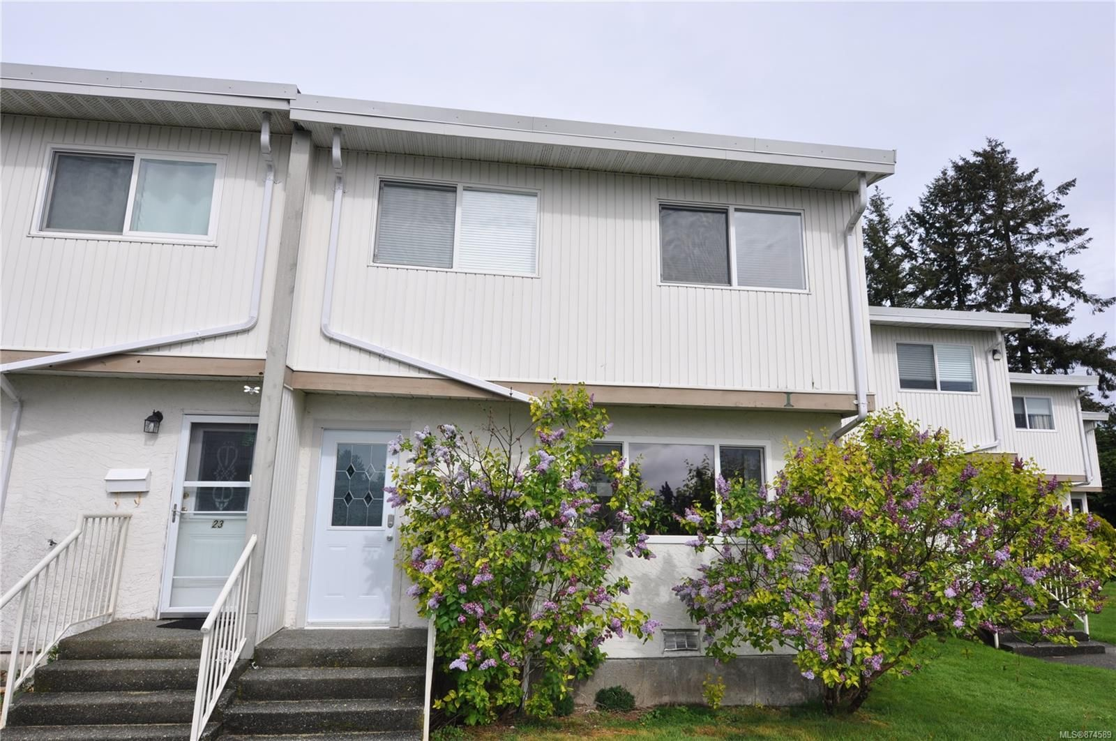 Main Photo: 24 400 Robron Rd in : CR Campbell River Central Row/Townhouse for sale (Campbell River)  : MLS®# 874589