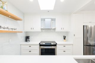 """Photo 18: 302 874 W 6TH Avenue in Vancouver: Fairview VW Condo for sale in """"Fairview"""" (Vancouver West)  : MLS®# R2566345"""