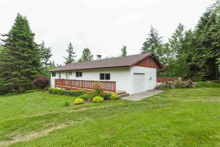 Photo 1: 49966 LOOKOUT Road in Chilliwack: Ryder Lake House for sale (Sardis)  : MLS®# R2589172
