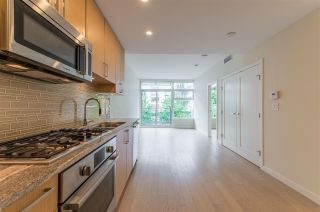"""Photo 5: 318 38 W 1ST Avenue in Vancouver: False Creek Condo for sale in """"THE ONE"""" (Vancouver West)  : MLS®# R2576246"""
