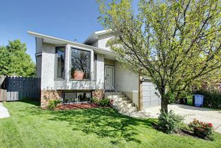 Photo 2: 111 HAWKHILL Court NW in Calgary: Hawkwood Detached for sale : MLS®# A1022397