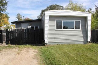 Photo 1: 5009 56 Street: Elk Point Manufactured Home for sale : MLS®# E4214771