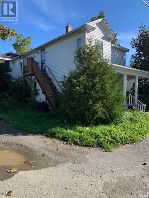 Main Photo: 7 Victoria Street in St. Stephen: Multi-family for sale : MLS®# NB064049
