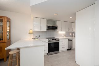 Photo 5: 207 9805 Second St in : Si Sidney North-East Condo for sale (Sidney)  : MLS®# 877301